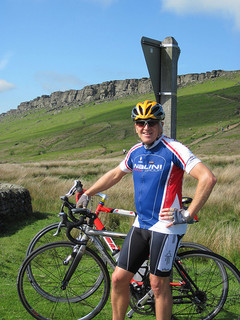 Cycling from Hathersage up to Stanage Edge
